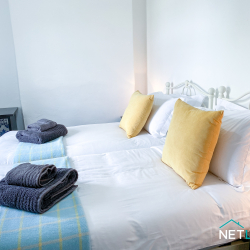 Copper Cottage neyland pembrokeshire holiday home dog friendly staycation sleeps 5 patio netlet uk -20